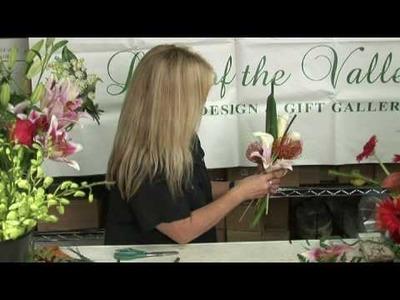 Wedding Flowers & Floral Arrangements : Make a Bridal Bouquet Out of Seashells