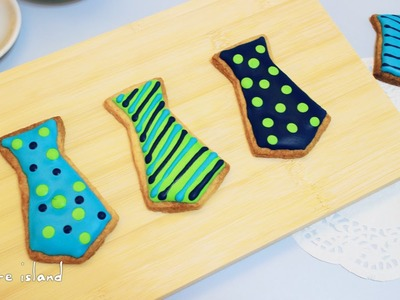 DIY Father's Day Neck Tie Icing Cookies | d for delicious