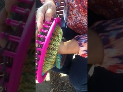 Knitting hats in a loom:  making the brim part 1