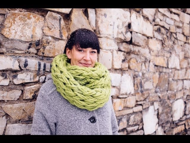 Arm Knitting - Infinity Scarf in 30 Minutes