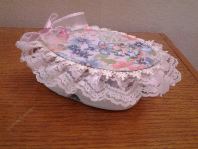Best Out Of Waste Plastic Cans transformed to Floral Oval Gift Box