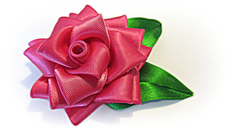 Como hacer una Rosa de cinta. Ribbon rose.