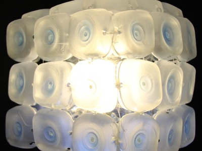 Cómo realizar una lámpara con 45 botellas de plástico - Lamp made out of 45 recycled plastic bottles