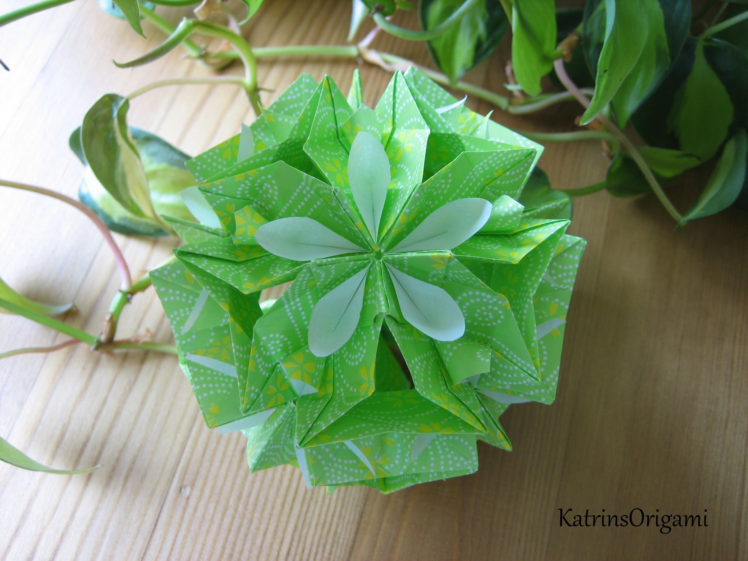 Origami ✿⊱╮ Floristry ✿⊱╮ Kusudama