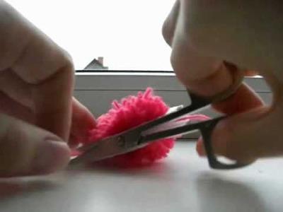 DIY: How to make a pom pom out of yarn