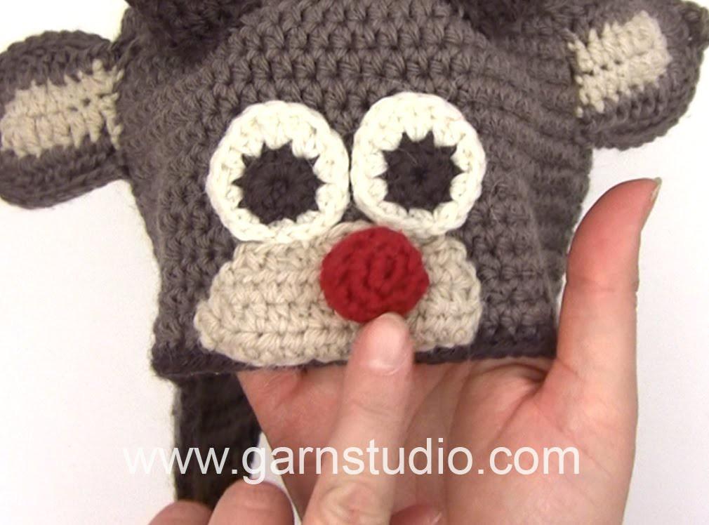 DROPS Crocheting Tutorial: How to work reindeer nose.