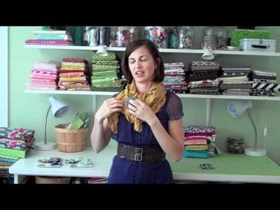 How to tie a ruffled scarf