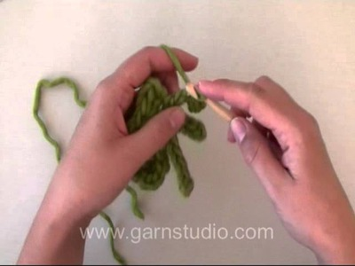 DROPS Crochet Tutorial: How to crochet a spider.