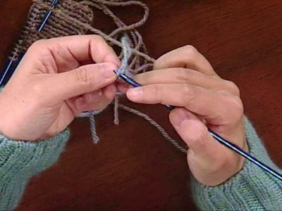 Connie Chang Chinchio demonstrates her favorite cast-on, from Knitting Daily TV Episode 807