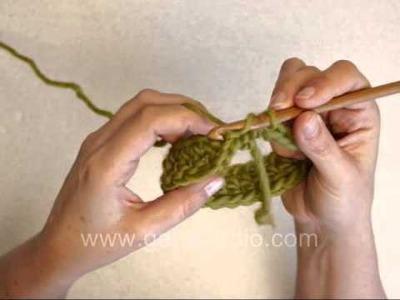 DROPS Crochet Tutorial: How to crochet Moebius