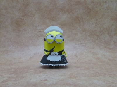 Despicable Me Papercraft: minion maid