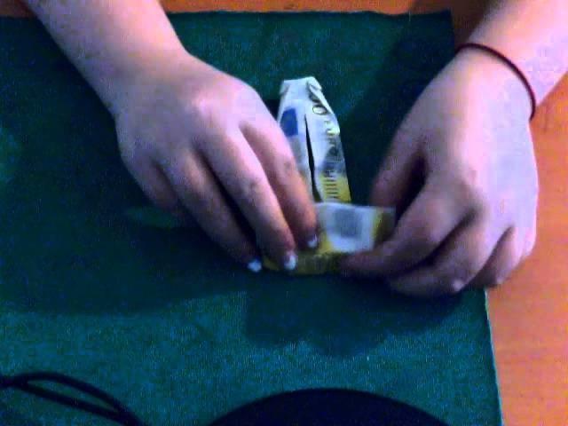 Come creare una maglietta con il metodo origami con una banconota