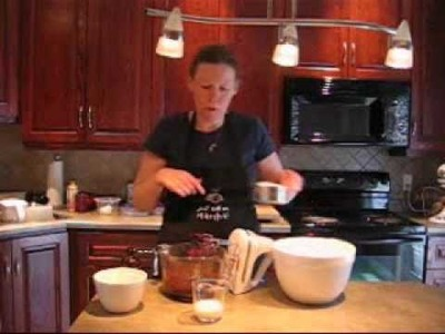 How to Make Homemade Chocolate Frosting