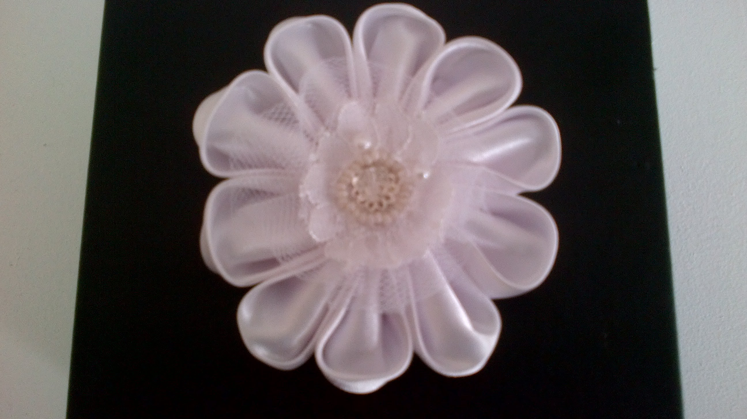How to make Kanzashi flower hair pin