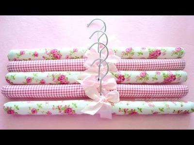 19 Fashionable DIY Hanger Ideas