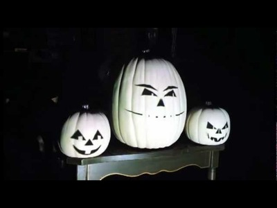 "Nightmare Before Christmas ""This is Halloween"" (Animation: black faces with white background)"