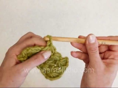 DROPS Crochet Tutorial: How to crochet a star stitch pattern