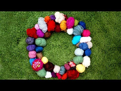 How to Create a DIY Yarn Wreath to Organize Your Stash