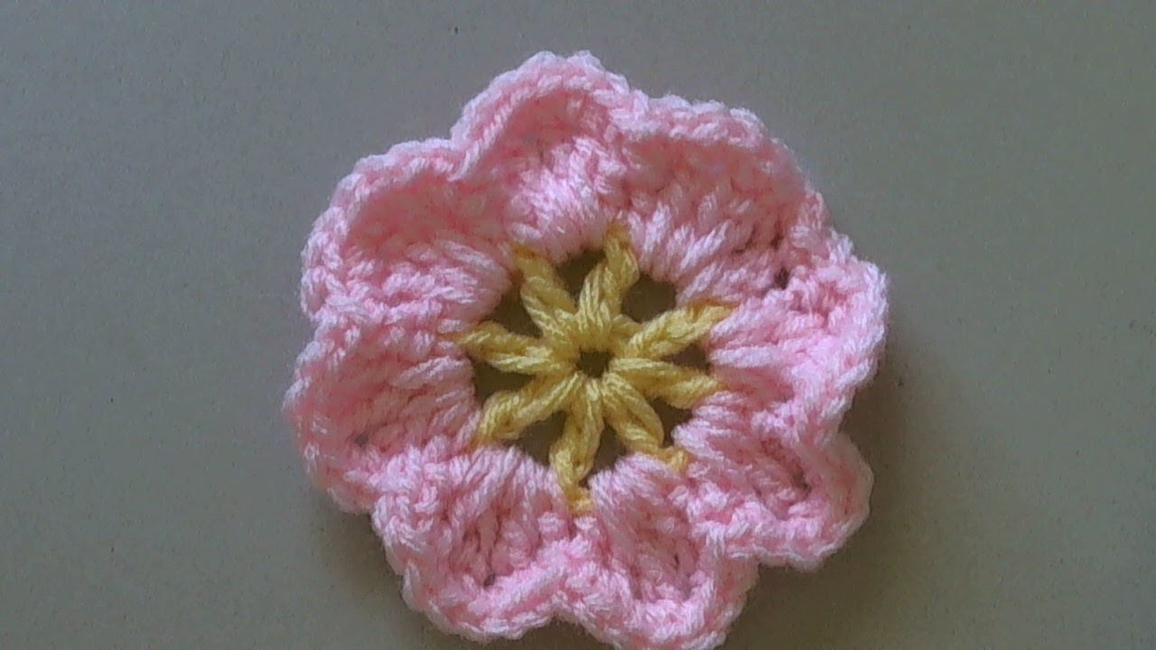 How to crochet a flower tutorial. Easy primrose flower -  rosa en crochet (tambien en espanol)