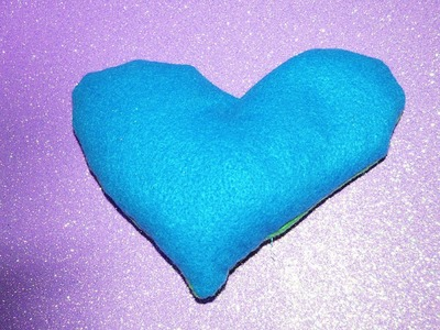 10 DIY gifts: Gift Idea 3 : Homemade heart shaped hand warmers! holiday DIY gift