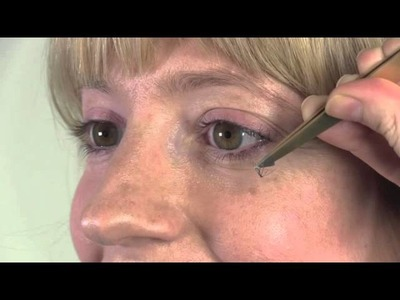 How-to: DIY individual false lashes