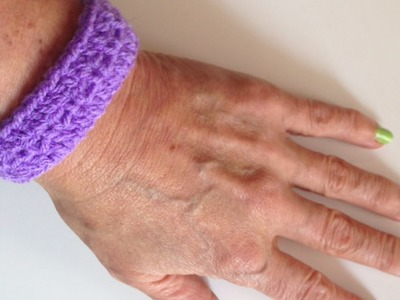 Make An Easy Crochet Bracelet - DIY Style - Guidecentral