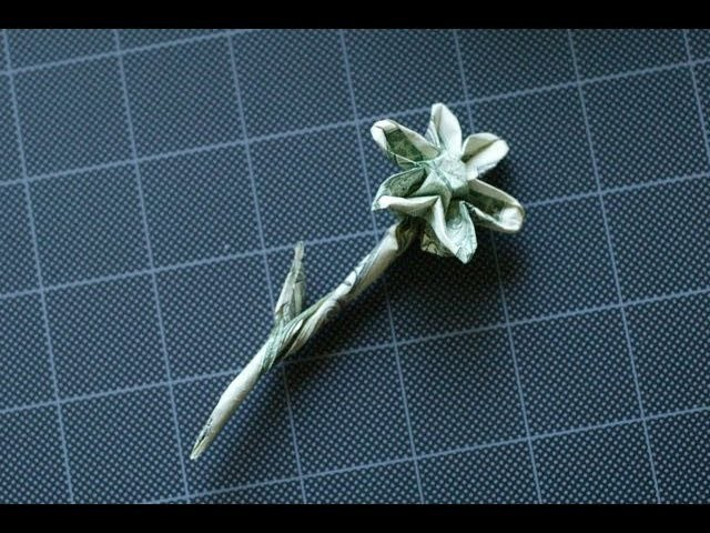 Dollar Origami: Hecht Flower with 6 & 8 petal variations