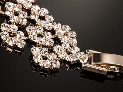 Jewelry Photography Tutorial: Easy lightign setup with DIY LED