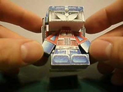 Papercraft G1 Optimus Prime HedKase