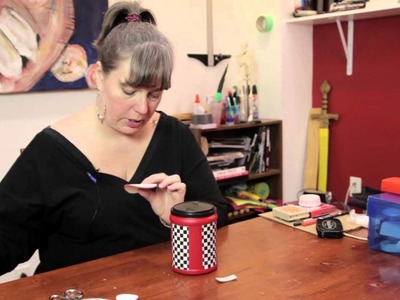 How to Decorate Folgers Cans : Various Decorative Crafts