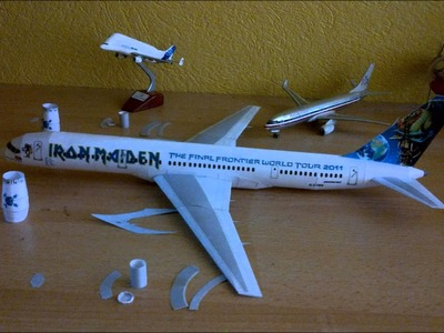 Iron Maiden Ed Force One Papercraft (Boeing 757 with Rolls Royce RB 211 engines)