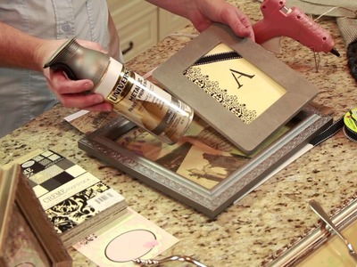 How to Decorate With Old Picture Frames : DIY Home Decor Tips