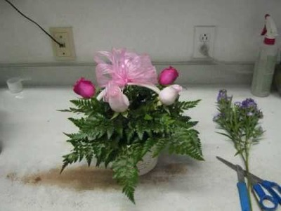 How to make a fresh flower gift basket