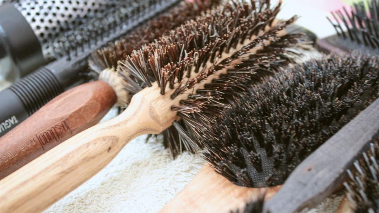 How to wash your hair brushes - DIY  - Guidecentral