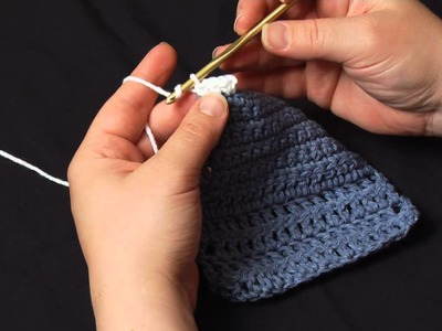 How to Crochet: Working into the Edge