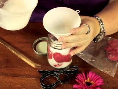 How to Decorate a Mason Jar With Bath Salts : Bows & Craft Tips