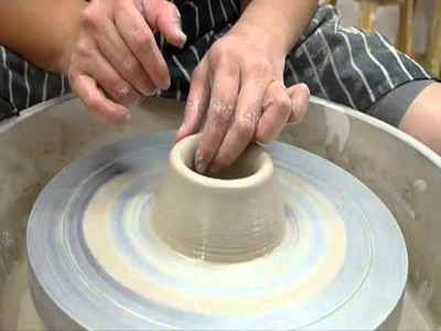 Wheel throwing for beginners 3.4 - Clay Craft Malaysia