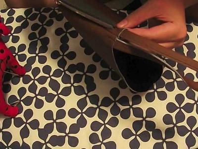 DIY: Zipper Wristlet w. Painted Design