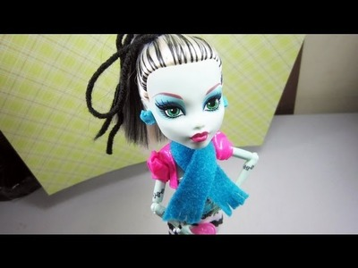 Doll Crafts: How to make a scarf for your doll