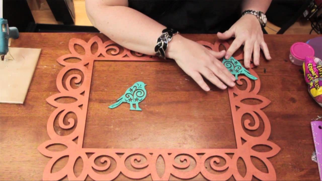 How to Apply Wood Appliques to a Wood Picture Frame : DIY Craft Projects