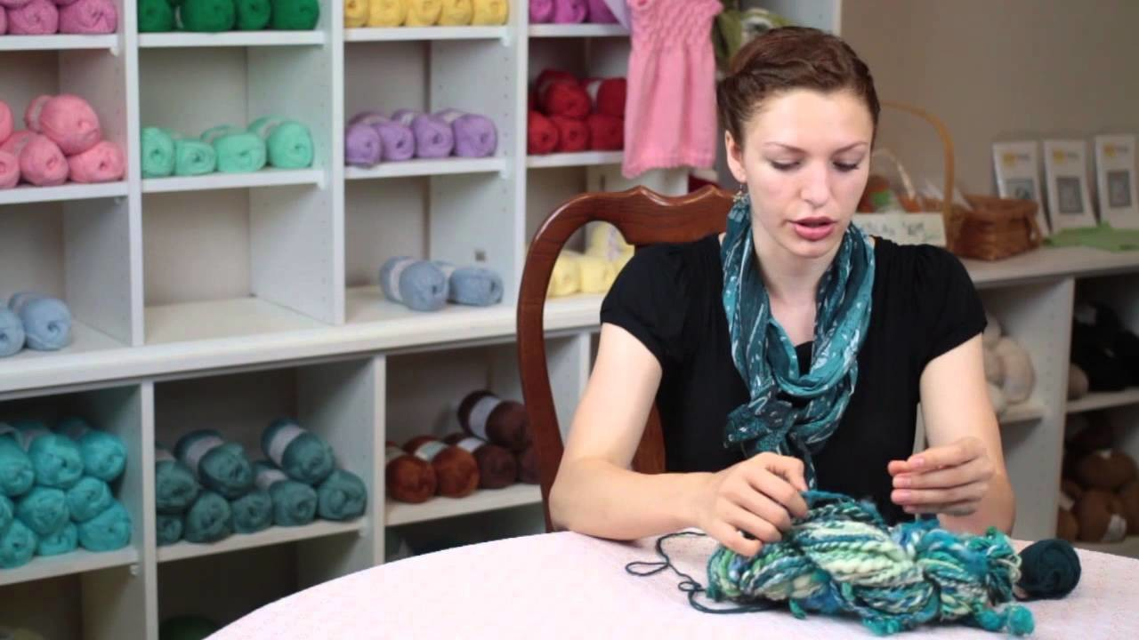How to Knit a Thick Scarf : Knitting Tips & Techniques