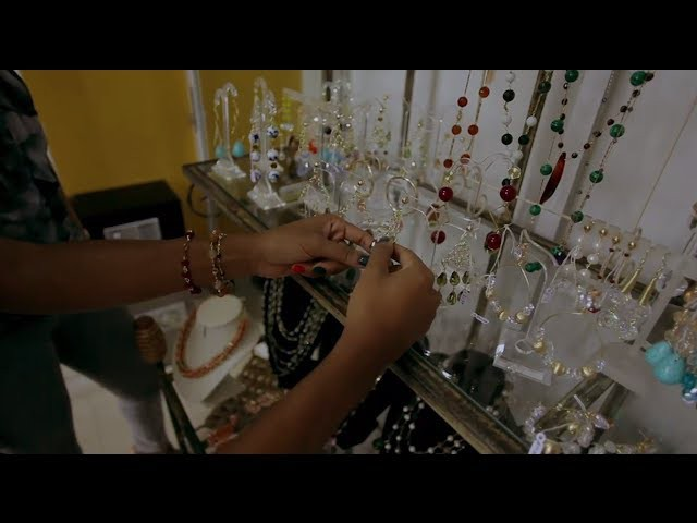 DIY Jewelry with Linda Mesrob-Sodeinde of Ariaba Beads on Glam Report TV