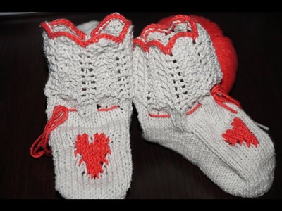 Вязание спицами пинетки сапожки.  Knitting booties boots