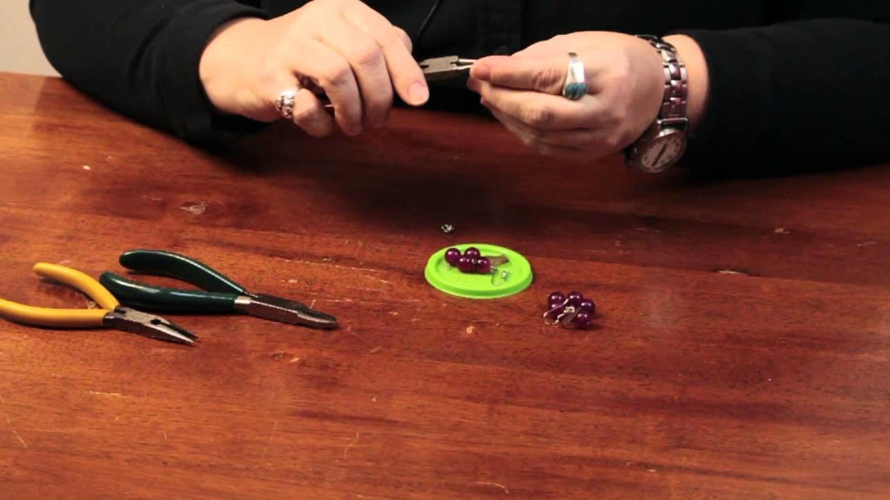 How to Bead Grape Earrings : Craft & Decoration Tips