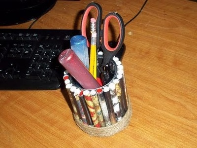 How to make a recycled magazine pencil holder - EP