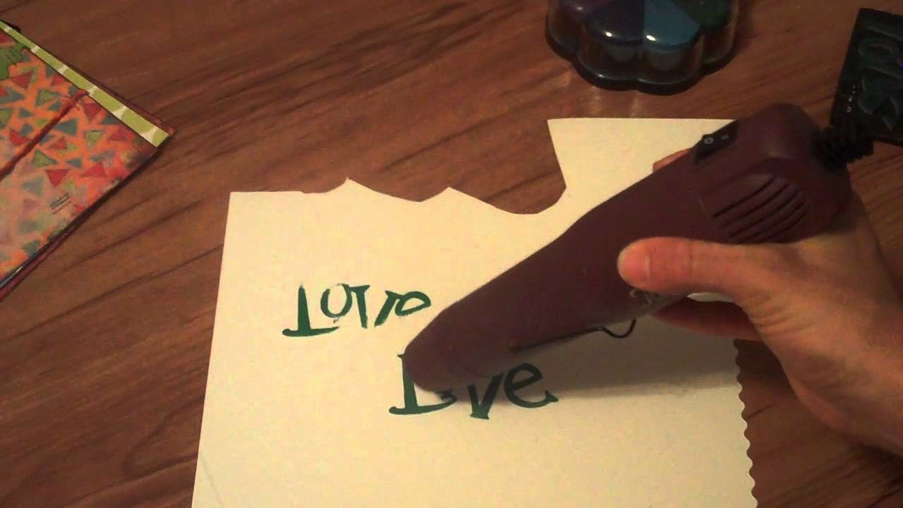 Scrapbooking Turorials: How to emboss with a heat gun, pigment ink and embossing powders