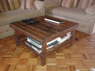 DIY, RECYCLED PALLET COFFEE TABLE for my TV room.