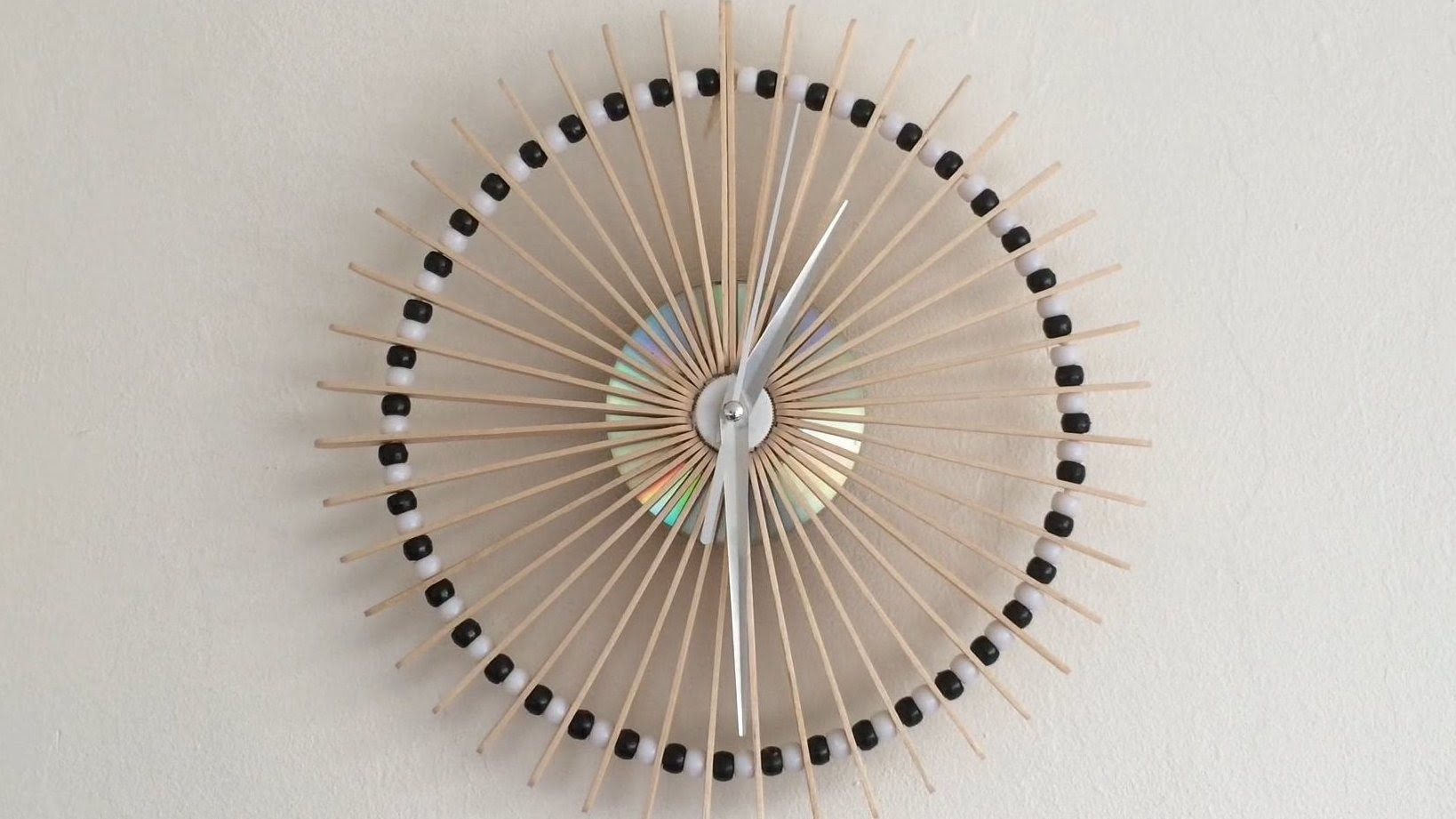 How To Make A Lolly Stick Clock!