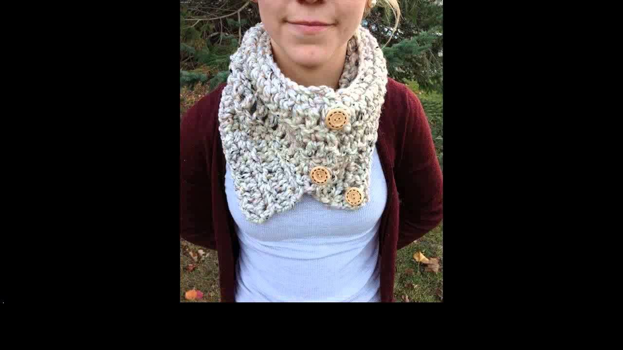 Crochet infinity scarf for beginners