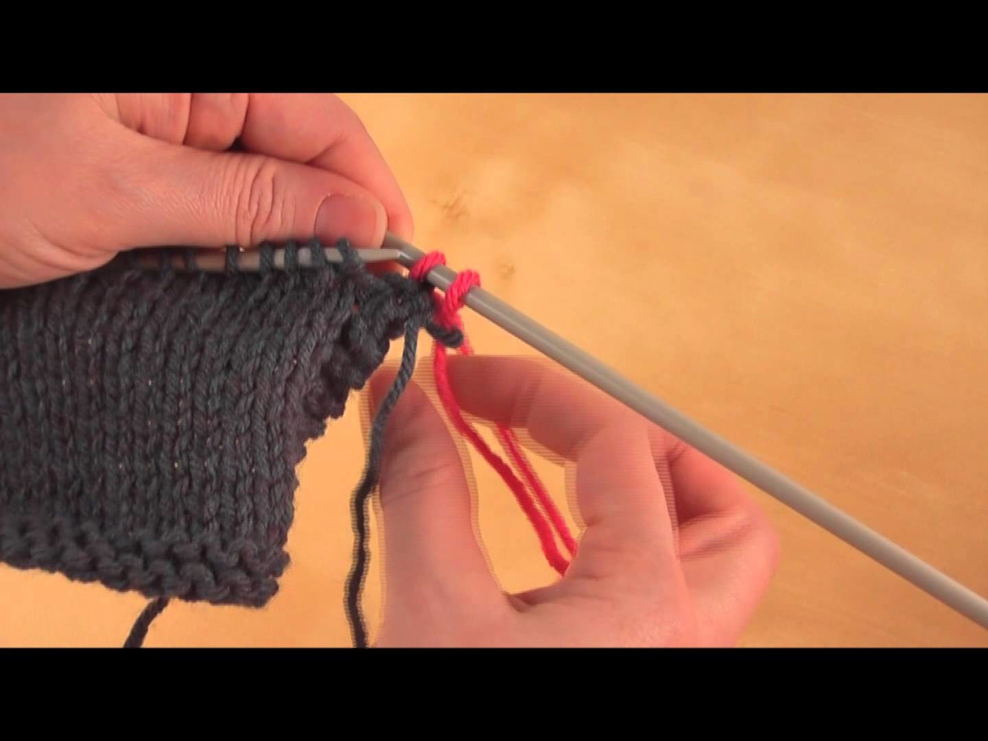 How to: Change Colors or balls while knitting